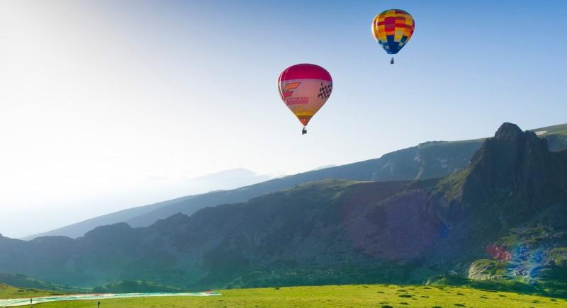 Найри Барсегян и Росен Касабов осъществиха първите полети от Рилски Езера.